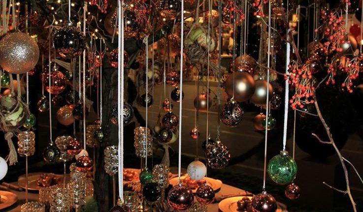 Rijk gedecoreerde kersttafel