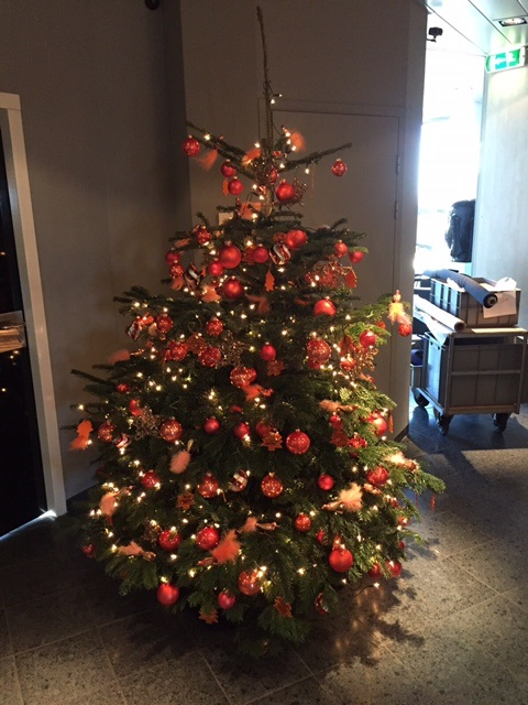 gedecoreerde kerstboom pop-up xmas tree