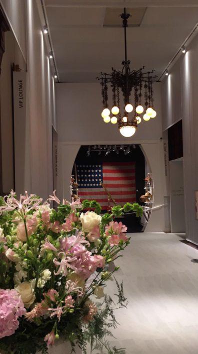 Foto Bloemarrangement met de Amerilaanse vlag